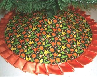 "Tabletop Halloween Tree Skirt - 24"" - Bright Cats, Pumpkins & Candy Corn"