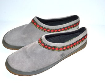 Vintage grey suede lether Daniel Green DG wedges clogs shoes comfortable soft size 10M Slippers designed in USA