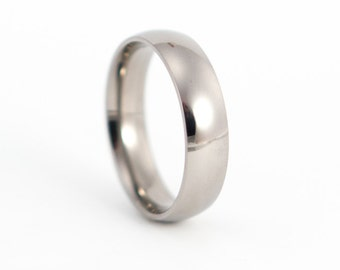 Men's polished titanium ring. Classic and comfortable round wedding band. Water resistant, very durable and hypoallergenic (00001_7N)