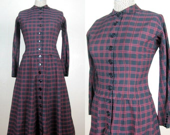 Vintage 1950s Cotton Plaid Dress 50s Drop Waist Full Skirt Dress with Peter Pan Collar by L'AIGLON Size 4 Small