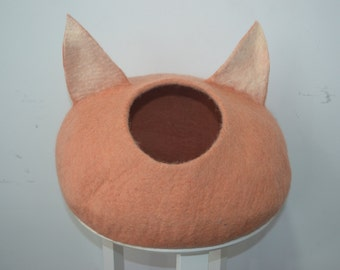 Felted eco-friendly cat cave/ cat bed