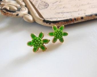 Vintage 1960s Bright Lime Green Enamel Gold Tone Flower Pierced Earrings OO15