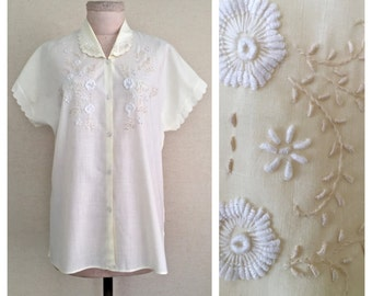 Ivory Blooms blouse // 1960s floral embroidered shirt // 60s vintage Peter Pan blouse // l