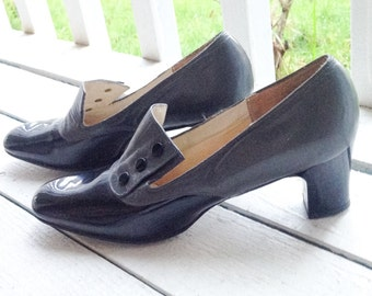 1960s Black and Gray Patent Leather Heels by Naturalizer / Victorian Revival / Vintage Shoes / Size 6.5