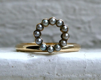 Sweet Antique Pearl Circle Ring in 14K Yellow Gold.