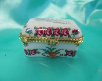 Vintage Imperial Porcelain floral trinket ring hinged box Jeremiah 17:7