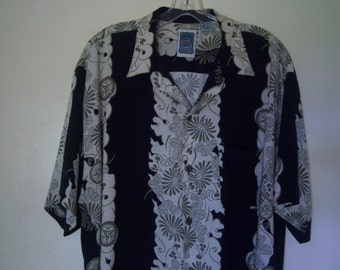 "Men's Vintage Hawaiian Shirt, ""Genuine Ocean Current"", Casual Wear Short Sleeve Shirt, 90's Fashion, Full Cut, Size Large"