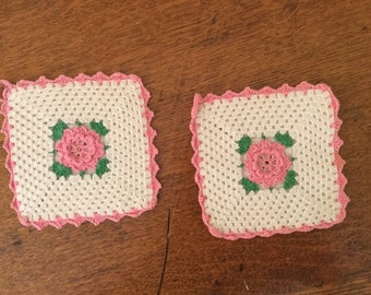 Vintage Crochet Potholders,Pink and White Flowers,Farmhouse Decor