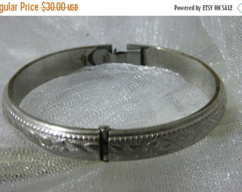 15% Off Sale Vintage Whiting and Davis Silver Tone Floral Clamper Bracelet-Gorgeous