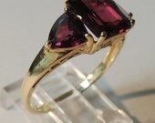 14k Yellow Gold Three-Stone Garnet Ring Size 9