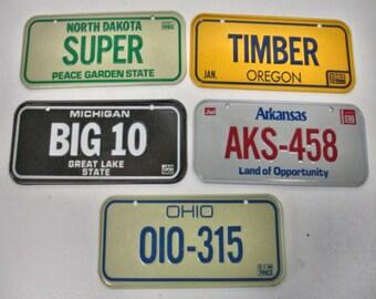 Lot of 5 Bicycle License Plates 1982 From Honey Comb Cereal Oregon-Michigan-Ohio-Arkansas-North Dakota