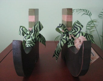 Witch's Shoes, Halloween, shoes, witch, shelf sitter, green, ribbon