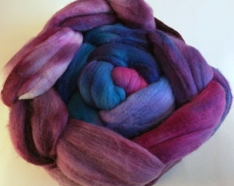 Berries Handpainted New Zealand wool Spinning Fiber