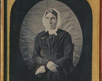 Quaker Woman portrait Floating Oval Vignette Pristine Daguerreotype late 1840s
