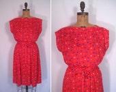1970s 1980s red diamond print day dress • 70s 80s geometric print summer dress • vintage speak low dress
