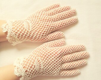 NEW Bridal ivory irish lace gloves,crochet jewelry,elegant evening gloves,romantic wedding gloves,victorian style,summer gloves,gift for Her