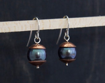 Pearl earrings with copper caps