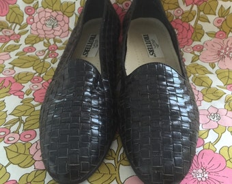 Vintage Trotters Navy Blue Woven Leather Slip On Loafers Size 10 Narrow