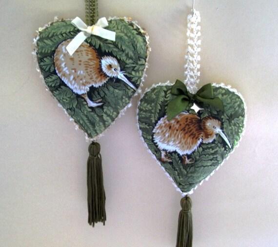 Christmas decoration kiwi decoration kiwi heart tree for Decoration kiwi