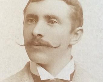 Magnificent Mustache Vintage CDV Carte de Visite Photo