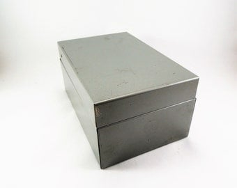 Vintage Metal Index Card File, Recipe Card Box, 3 x 5 Index Card, Weis No 835, Heavy Duty Gray Metal File Box, Hinged Top, Industrial File