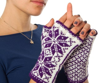 Norwegian Selbu Fingerless Gloves - hand-knit from 100% merino wool