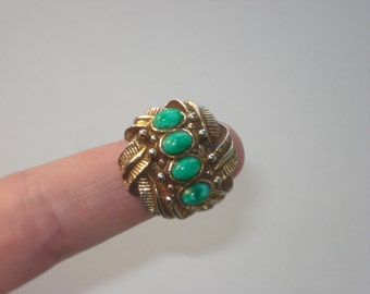 Vintage 1970s Oversized Fashion  Ring - Gold and Green  - Adjustable Size/Fit - Retro Fashion Jewelry