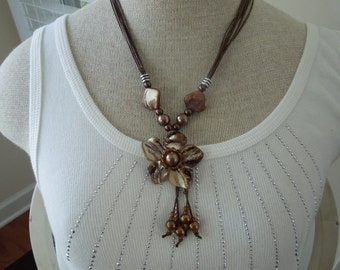 Vintage Floral Necklace, Brown Shell Pieces in Flower Setting with String Chain.  Excellent Condition.