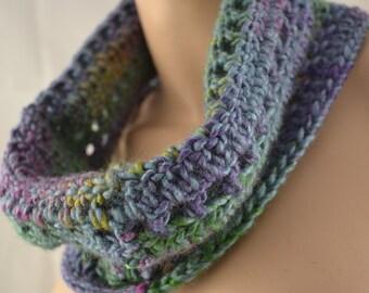 Chunky Crochet Infinity Cowl Scarf