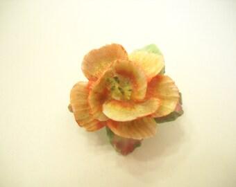 Vintage Tiny Seashell Flower Brooch (6662)