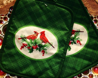 Pot Holders, Set of Two, Holiday Pot Holders, Christmas pot holders, Cardinels, Green, red and white, Christmas kitchen, holiday decor