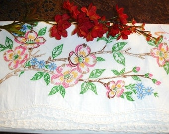 Pillowcase Singe Hand Embroidered, Twin bedding, Cottage Chic, Crochted Edge, Guest room, Shabby Chic, Standard