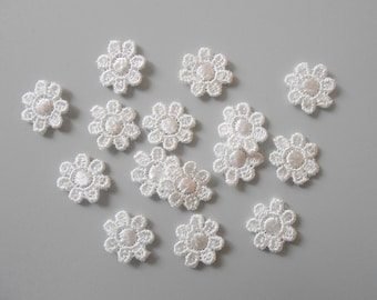 15 small 13 mm white lace flowers