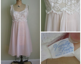 Vintage Pale Pink/ Lace 'Brina Ballerina 1960's Nightie