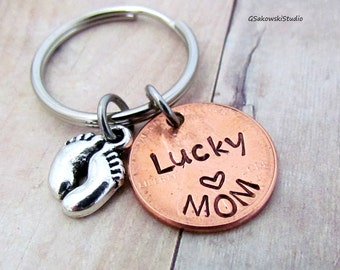 Lucky Mom Penny Personalized Initial Keychain, Customized Mom Lucky Penny Keyring, Mothers Day Gift, New Mom Keychain