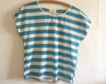 Boxy Vintage 1980s Turquoise Stripe T-Shirt ~ Medium
