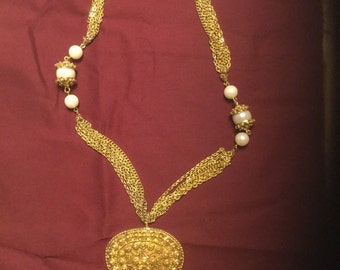 Vintage Kenneth Lane Gold Tone Chain and Pendant Necklace