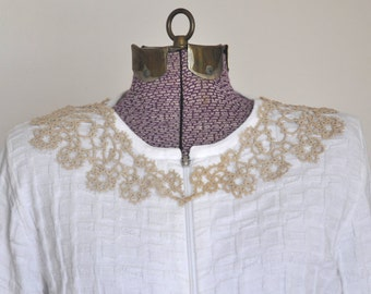 Gorgeous Vintage Tatted Lace Collar, Attach to Ladies Blouse, Dress, Vintage Ladies Lace Collar, Elegant Dainty Lace, attn Costume designers