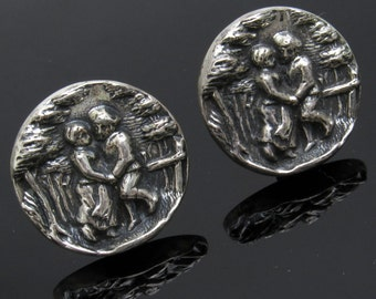Vintage Cufflinks Courting Couple Scene Mens Jewelry Accessories H816