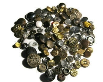 Vintage Buttons, Silvertone, Goldtone, Variety Metal some Plastic Buttons.....LOT 26