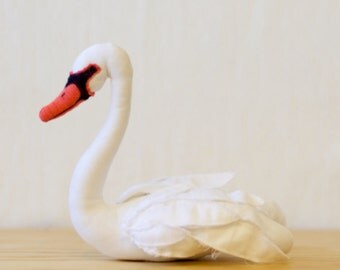 Swan (black or white) sewing pattern