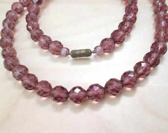 Vintage mid century necklace mauve color faceted glass beads 66 cm