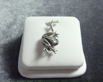 Sterling Silver 3D Frog Pendant P172
