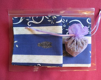Set of 2 napkins from Provence and a lavender sachet