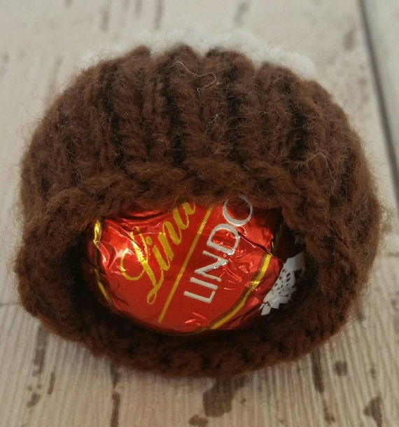 Knitting Pattern For Christmas Pudding To Cover Chocolate Orange : Christmas Pudding, knitting pattern, Lindt Lindor or Ferrero Rocher chocolate...