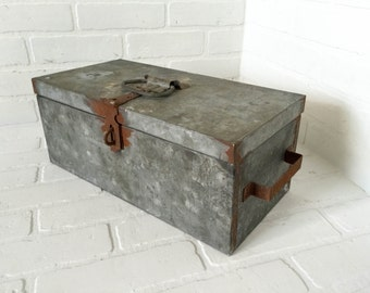Vintage Galvanized Tool Box Metal Storage Lockable with Removable Tray