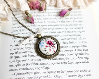 Pink flower Necklace, Shabby Chic Pendant, Pink Rose Necklace,  Romantic Floral Pendant, Fabric Button Jewel, Vintage Style Necklace