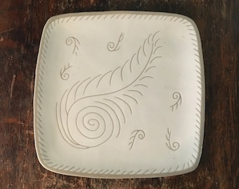 "Vintage 1940s-1950s Glidden Pottery Mid-Century Modern 9 1/2"" Square Serving Tray Platter - Feather Design Gray & Off White No. 31"