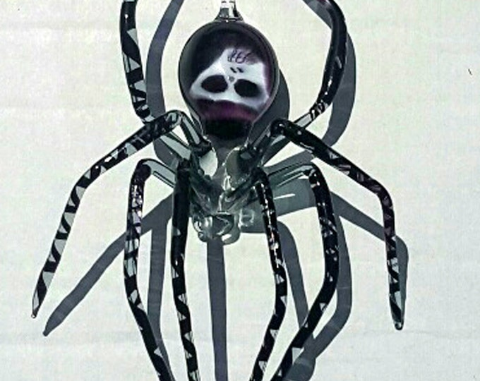 Medium Black Spider with Skull Abdomen