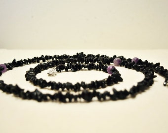 Extra long raw stone necklace / chips necklace / black and purple / statement necklace / obsidian amethyst / chakra / beaded necklace